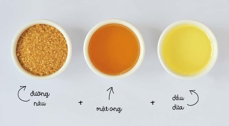 Dùng dầu dừa và đường để tẩy tế bào chết cho môi