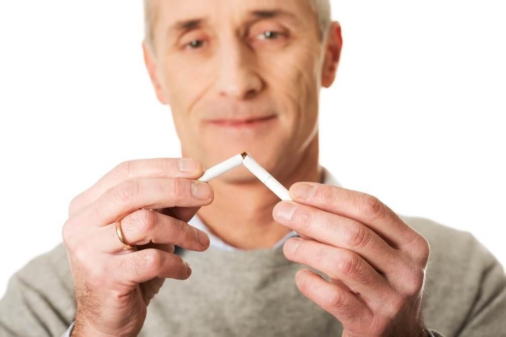 Hút thuốc là một trong những nguyên nhân của bệnh tim mạch